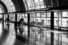 vänta för korridor Arkivfoto