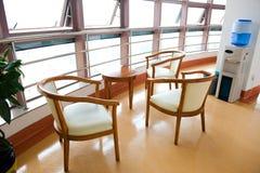 vänta för sjukhuslokal Arkivbild