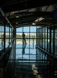 Vänta på den Faro flygplatsen Portugal Royaltyfri Fotografi