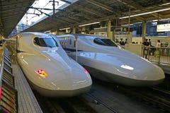 Vänta på den Tokyo stationen Arkivfoto
