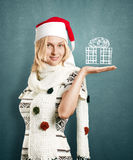 Väntande jul för kvinna Royaltyfria Bilder