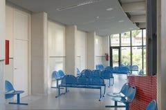 Väntande område för offentlig byggnad Inre detalj för sjukhus inget arkivfoto