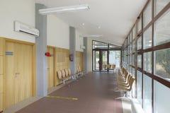 Väntande område för offentlig byggnad Inre detalj för vård- mitt inget fotografering för bildbyråer