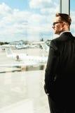 Väntande på flyg Royaltyfri Bild