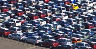 Väntande på import för ny japansk bil royaltyfri fotografi