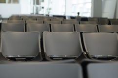 Väntande rum för passagerare på flygplatsvardagsrummet Fotografering för Bildbyråer