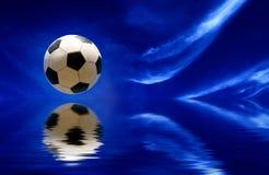 värld för fotboll för sky för bollbegreppsfotboll Royaltyfri Foto
