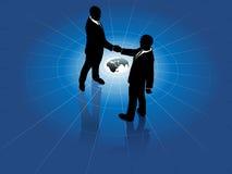 värld för män för handskakning för överenskommelseaffär global Royaltyfri Foto