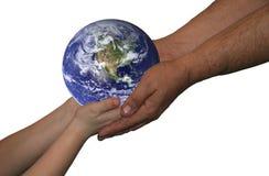 värld för pojkeholdingman Royaltyfri Fotografi
