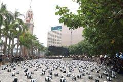 Världen för 1600 pandor turnerar i Hong Kong Royaltyfria Foton