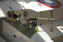 Världen kriger mig bearbetar med maskin artilleristen arkivbild