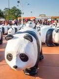 Världen turnerar 1600 pandor i Bangkok Royaltyfri Foto