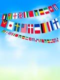 Världsbuntingflaggor på blå himmel. royaltyfri illustrationer