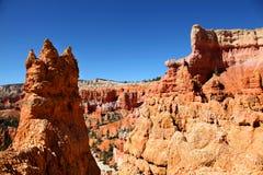 Världsfrämmande landskap längs slinga för drottning` s i Bryce Canyon National Park royaltyfria foton
