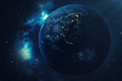 världsjordklot för tolkning 3D från utrymme i en himmel för natt för visning för stjärnafält med stjärnor och nebulosan sikt för  Royaltyfri Bild