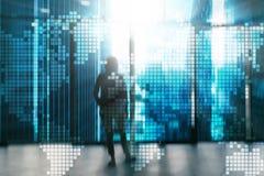 Världskarta för dubbel exponering på skyskrapabakgrund Kommunikation och global affärsidé Arkivfoto
