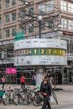 Världsklocka Alexanderplatz Berlin Arkivfoto