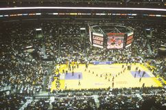 Världsmästerskap Los Angeles Lakers, NBA-basketmatch, Staples Center, Los Angeles, CA Royaltyfri Foto