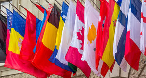 Världsomspännande flaggor Royaltyfri Foto