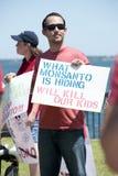 Världsomspännande protest mot Monsanto och GMOs Arkivbilder