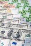 Världsvalutabegrepp: Closeup av europén och USA hårda Curr Royaltyfria Foton