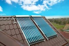 värmande upp sol- systemvakuumvatten royaltyfria bilder