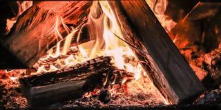Värme av en brand Arkivfoto