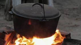 Värme för flammor för krukabrandmatlagning lager videofilmer