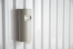 Värmekostnadsallocator på värmeapparaten Arkivfoton