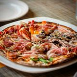 Väsentlig whitgrönsak för pizza Royaltyfri Fotografi