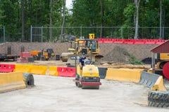 VÄSTRA - Berlin, NJ - MAJ 28: Diggerland USA, themed affärsföretag för konstruktion parkerar Royaltyfri Fotografi