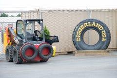 VÄSTRA - Berlin, NJ - MAJ 28: Diggerland USA, themed affärsföretag för konstruktion parkerar Arkivfoton