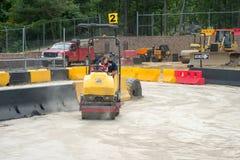 VÄSTRA - Berlin, NJ - MAJ 28: Diggerland USA, themed affärsföretag för konstruktion parkerar Royaltyfri Foto
