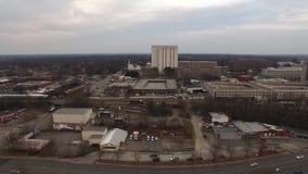 Västra flyg- videopp i stadens centrum gränsmärken för Raleigh NC suppleantsikt lager videofilmer
