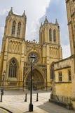 Västra framdel av Bristol Cathedral i söder västra av England Royaltyfri Foto