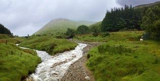 Västra höglands- väg, Skottland, UK, berg Arkivfoto