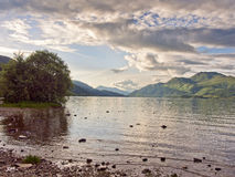 Västra kuster av Loch Lomond Arkivbild
