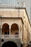 Västra sida av byggnaden av anledning som ses från den fyrkantiga frukten i Padua i Venetoen (Italien) Fotografering för Bildbyråer