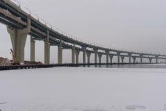 Västra snabb diameter i vinter petersburg saint Ryssland, royaltyfria foton