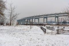 Västra snabb diameter i vinter petersburg saint Ryssland, arkivfoton