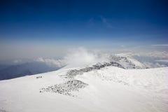 Västra toppmöte av Elbrus Arkivbild