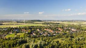 Västra - tyskt landskap för vindenergi arkivfoton