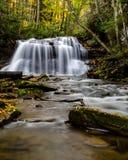 Västra Virginia Waterfall i tidig höst Arkivfoto