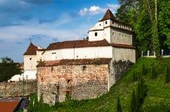 Vävarebastion av den Brasov fästningen, Rumänien Arkivbilder