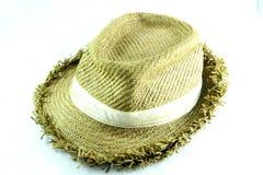 Vävd hatt med bladet Royaltyfri Foto