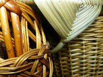 Vävde korgar från vinrankor Pillat Salix closeup tillverkar för trasaryss för docka folk görande vesnyanka Fotografering för Bildbyråer