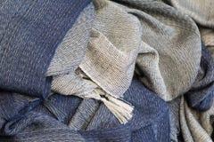 Vävde scarves Arkivbild
