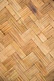 Väver tunna linjer för bambu, bruk för sicksackvägghuset att hyra rum i thaila Arkivbild