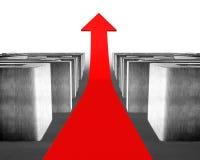 Växande röd pil till och med konkret labyrint Royaltyfria Foton