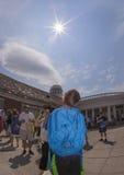 Växelverkan med den sol- förmörkelsen av 2017 Fotografering för Bildbyråer